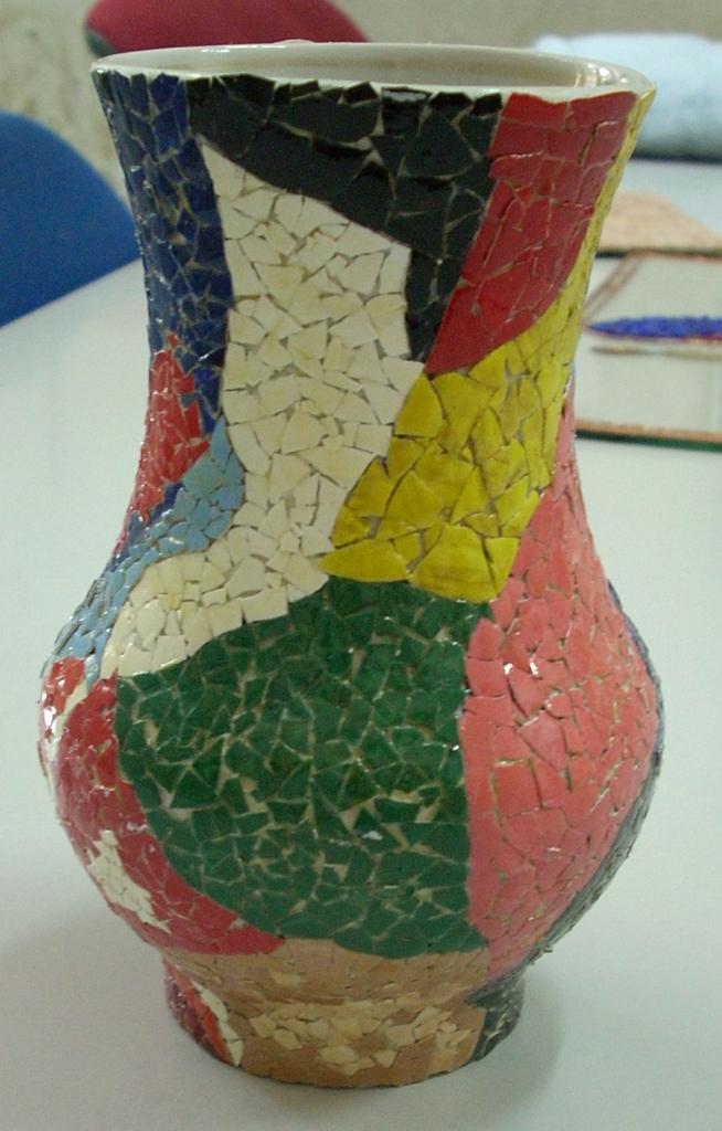 Ваза с мозаикой